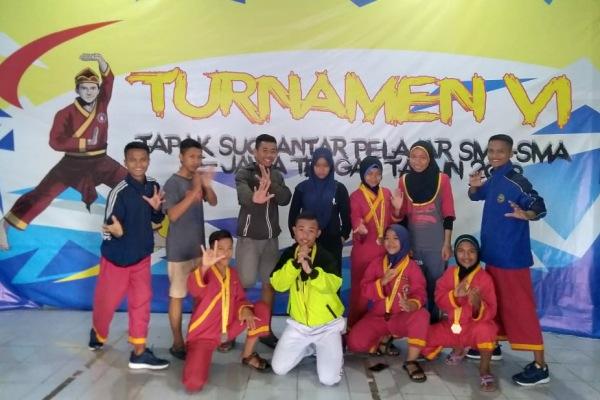 Kontingen Tapak Suci Kabupaten Blora dalam Turnamen Tapak Suci se- Jawa Tengah di Universitas Muhammadiyah Surakarta