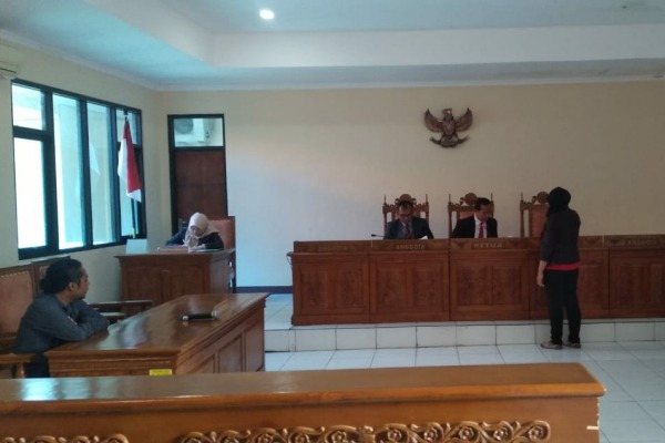 Sidang ajudikasi non-litigasi terkait sengketa informasi APBDes Pilang di Komisi Informasi Publik Daerah (KIPD) Jawa Tengah, di Semarang