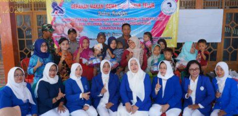 Gerakan Makan (Gema) 2000 butir telur oleh Ikatan Wanita Pengusaha Indonesia (IWAPI) Kabupaten Blora