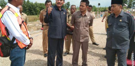 Pimpinan DPRD Kabupaten Blora melakukan inspeksi mendadak (Sidak) di Embung Kedung Sambi di Desa Klopoduwur Kecamatan Banjarejo