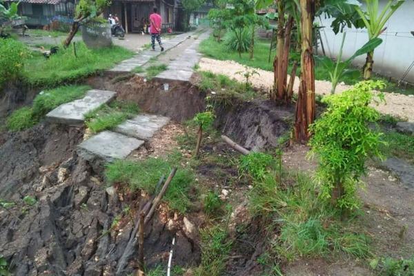 Kondisi longsor di Dusun Butbanyu Desa Sambongwangan Kecamatan Randublatung Kabupaten Blora