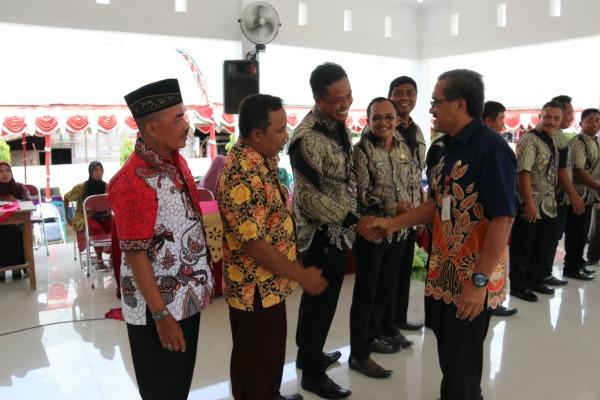 Syukuran penerimaan SK Perangkat Desa Masa Jabatan 60 Tahun Peralihan Masa Jabatan 20 tahun di Pendopo Kecamatan Jati, Kabupaten Blora