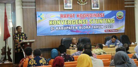 Bupati Blora Djoko Nugroho dalam rapat koordinasi (rakor) konvergensi stunting di ruang pertemuan Setda setempat