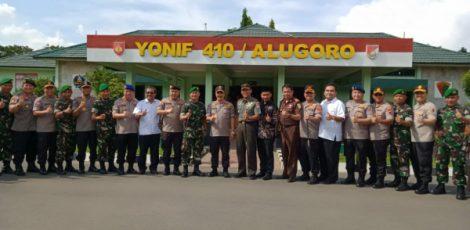 Kabaharkam Polri, Komjen Agus Andrianto bersama jajaram Forkompimda Kabupaten Blora di Mako Yonif 410/Alugoro
