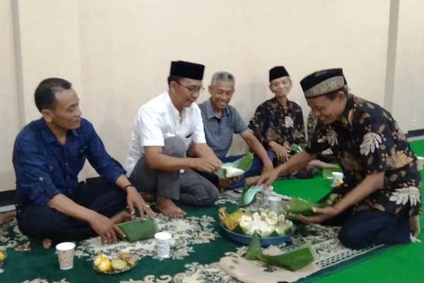 Camat Kunduran, Hartanto Wibowo dalam syukuran atas selesainya pembangunan Kantor Kecamatan setempat