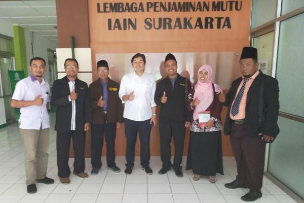 Perwakilan STAI Al Muhammad Cepu di kantor Lembaga Penjaminan Mutu (LPM) IAIN Surakarta