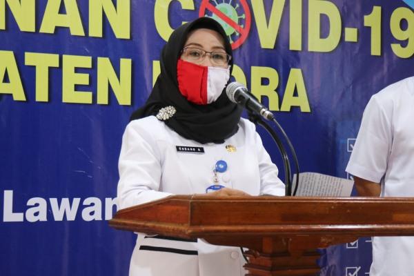 Sekretaris Dinas Pendidikan Kabupaten Blora, Endang Rukmiati dalam konferensi pers di media center Posko Gugus Tugas Percepatan Pengananan (GTPP) Covid-19