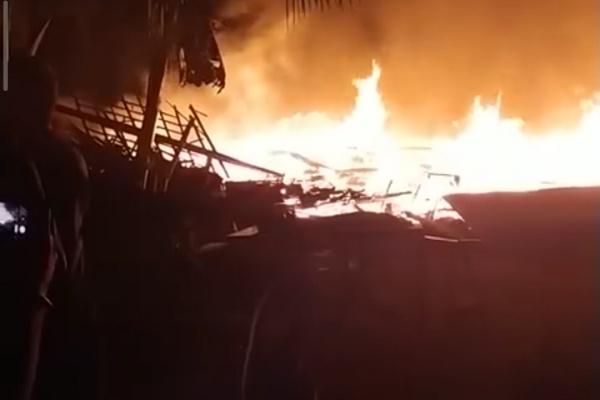 Kebakaran di sumber Kradenan