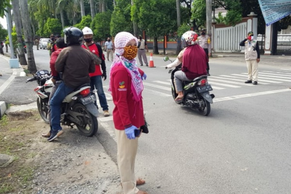 Operasi pemakaian masker di kecamatan Cepu