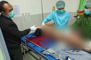 Pemeriksaan oleh tim medis puskesmas Ngawen