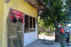 Satpol PP Kabupaten Blora melakukan penyegelan tiga tempat usaha karaoke