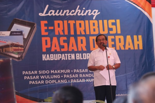 Pemerintah Kabupaten Blora melalui Dinas Perdagangan Koperasi dan UKM (Dindagkop UKM) pada hari Selasa (6/8/2019) melaksanakan launching program E-Retribusi, dirangkaikan launching E-SPBU oleh BPPKAD.