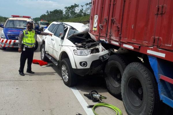Kecelakaan lalu lintas di Km 300 Jalur B Tol Batang-Semarang