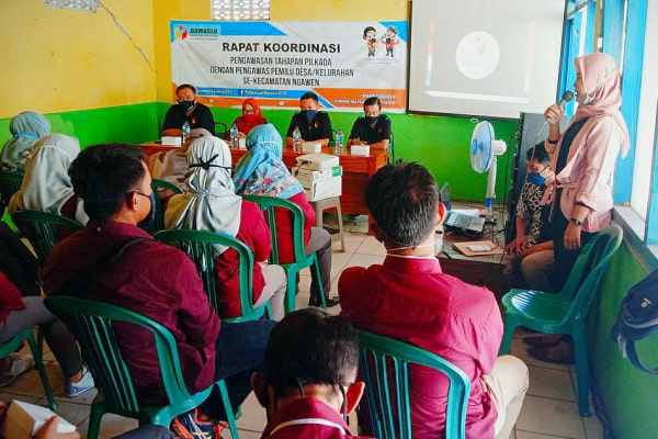 Rapat Koordinasi Tahapan Pilkada Tingkat Kecamatan Ngawen, Blora.