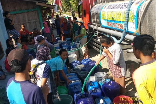 droping air ke sejumlah desa