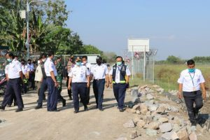 peninjauan pelaksanaan program padat karya Bandara Ngloram