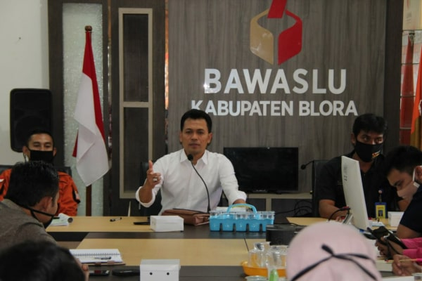Bawaslu Provinsi Jawa Tengah Koordinator Divisi Sumber Daya Manusia (SDM), Sri Sumanta