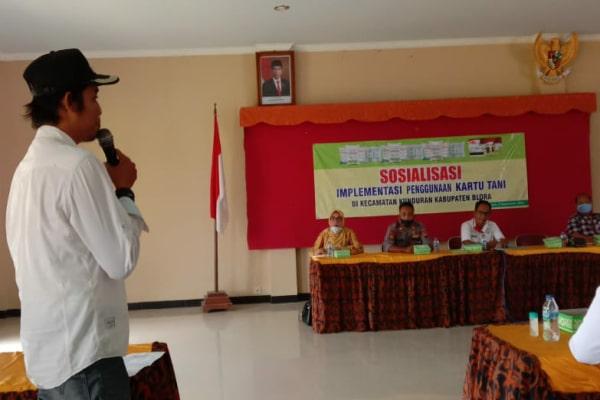 Kepala desa Sempu menyampaikan Surat Pemdes Sempu bernomor 470/091/2020 tentang Usulan Petani Desa Sempu Kecamatan Kunduran terkait Pupuk Subsidi.