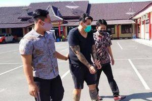 HR (51), seorang laki laki warga Perumahan Puri Anjasmoro Semarang diringkus petugas Polres Blora