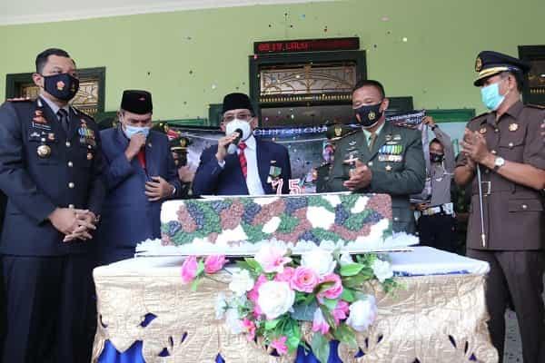 HUT TNI KE 75, BUPATI AJAK TINGKATKAN SINERGITAS