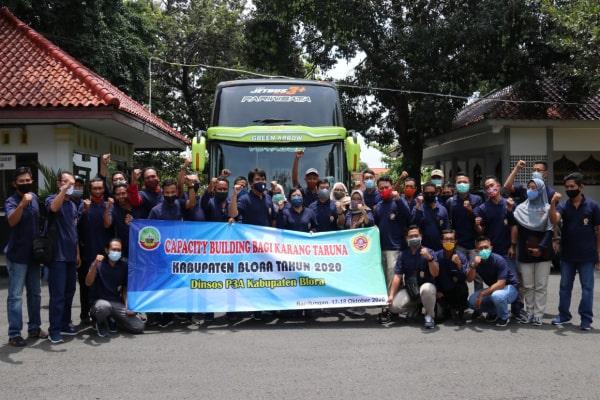 Rombongan Karangtaruna kabupaten Blor