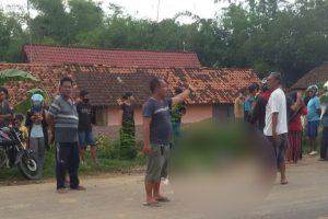 kecelakaan lalu lintas di Jalan Blora-Rembang persisnya di Dusun Ngareng Desa Tambaksari, Blora.