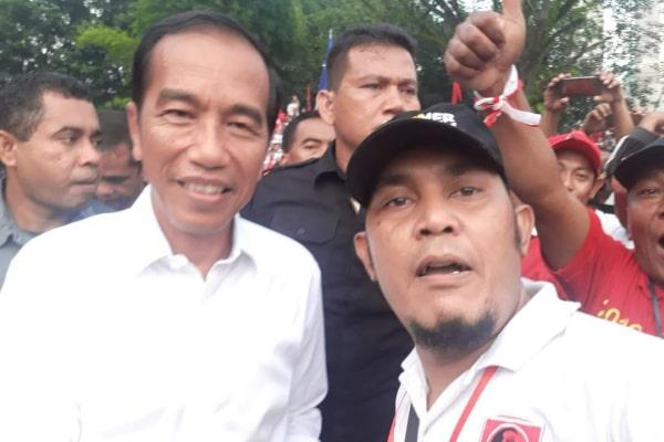 Sekretaris Projo Blora, Suahatmi bersama Joko widodo.