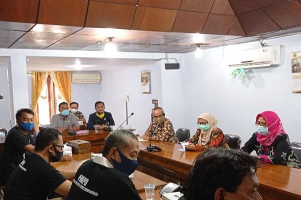 Audiensi diterima langsung oleh ketua DPRD Blora, HM. Dasum didampingi Wakil Ketua Siswanto