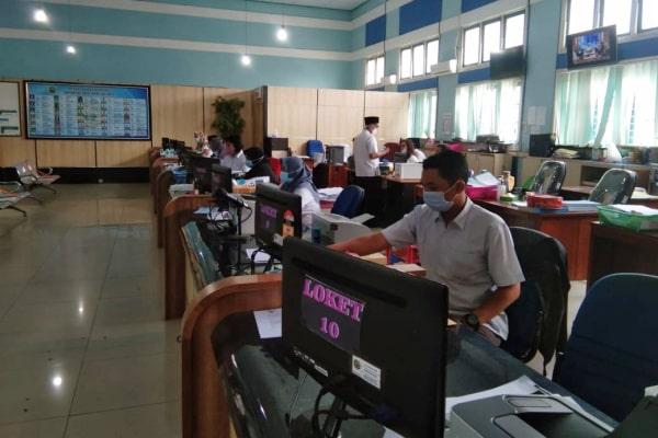 SELAMA JANUARI, DINDUKCAPIL LAYANI 11.946 PEMOHON SECARA ONLINE