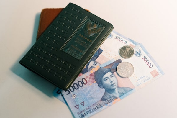 GERAKAN NASIONAL WAKAF UANG TERJENDALA TAK ADA BANK SYARIAH
