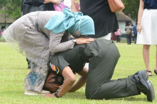 KHAIRUL ANAM, ANAK PETANI ASAL BLORA YANG MENJADI LULUSAN TERBAIK PENDIDIKAN PERTAMA BINTARA TNI AD