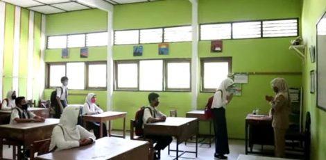 SETAHUN PANDEMI DI INDONESIA, INI HARAPAN GURU