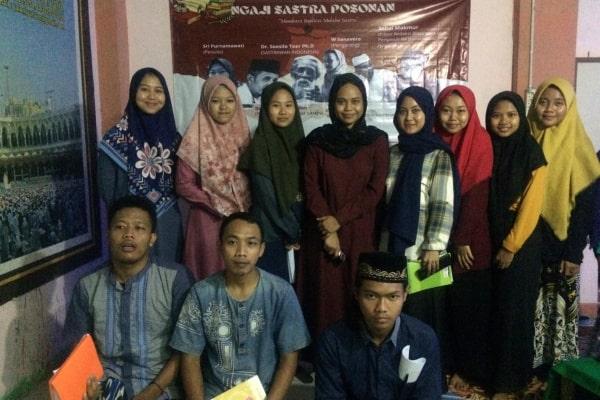 Ngaji sastra posonan diselenggarakan pada bulan Ramadhan di Pondok Pesantren Miftahul Desa Jiworejo Kecamatan Jiken selama kurang lebih satu Minggu, bertemakan Membaca Realitas Melalui Sastra.