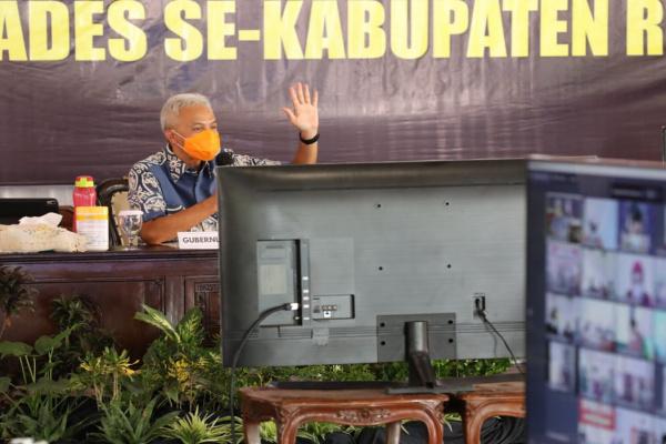 REMBUG DESA DI REMBANG, GANJAR DENGARKAN CURHATAN PARA KADES